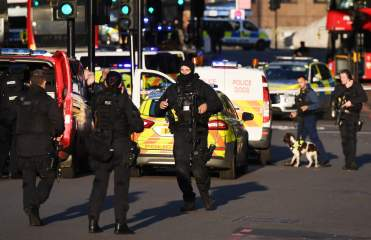 London Bridge:  A man shot to dead by police