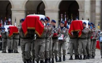 France paid  tribute to 13 soldiers killed in Mali