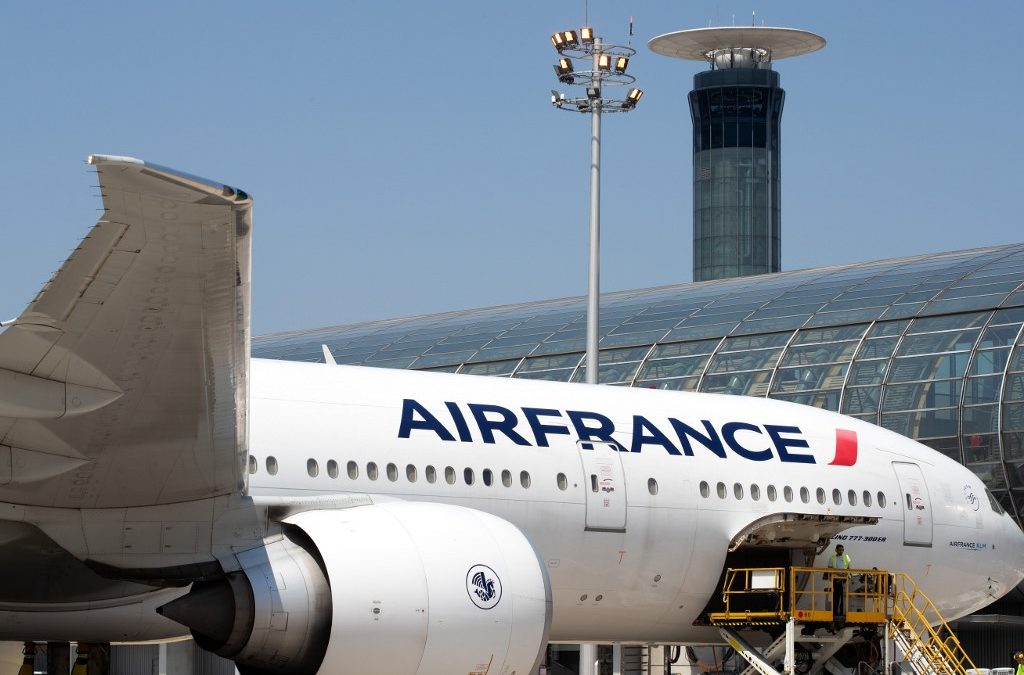 France: A young boy found dead in the landing gear of an airplane from Abidjan.