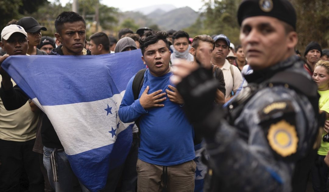 US ICE agents and Guatemalan police bus caravan members back to Honduras