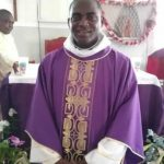 Death of the vicar of the St John Parish Deido during Mass service !